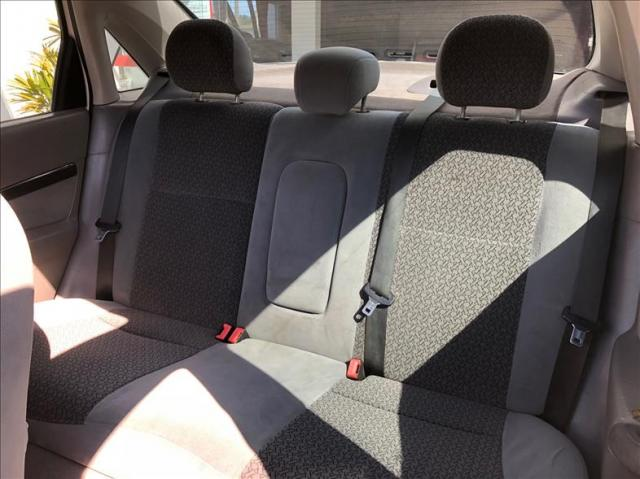 Ford Focus 2.0 Ghia Sedan 16v - Foto 12