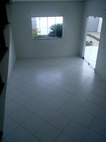 Linda Casa Duplex 4 quartos, construção recente, próx. à Av Getúlio Vargas e à Delegacia - Foto 4