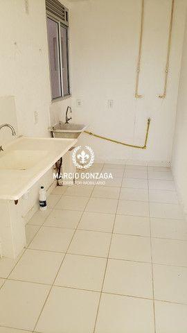 Apartamento com 2 quartos, condomínio familiar no bairro de Candeias! - Foto 4