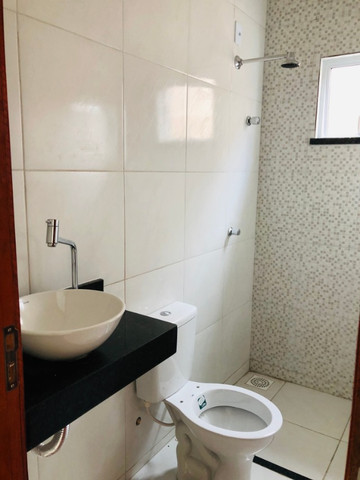 WS casa nova com 3 quartos,2 banheiros,coz.americana,quintal com otima localização - Foto 12