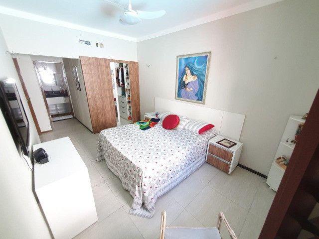 Excelente casa plana, solta, com amplo terreno e piscina, reformada, no Vila União - Foto 12