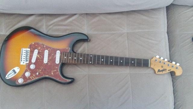 Guitarra Menphis e caixa Sheldon - Foto 2