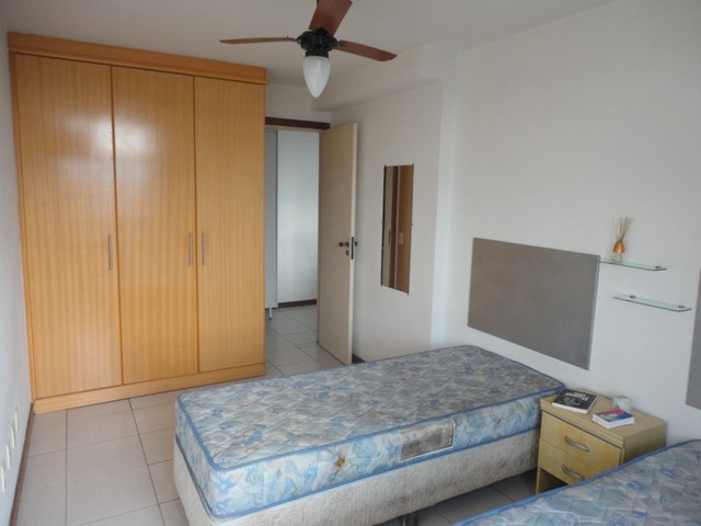 Ótimo apartamento de frente, mobiliado e com vaga de garagem, localizado no bairro de Fáti - Foto 12