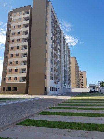 Apartamentos de 2 e 3 quartos na Cohama, elevador e acabamento no porcelanato.  - Foto 2