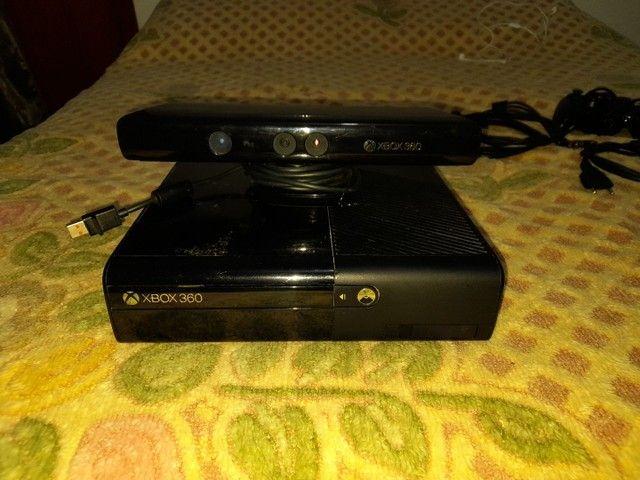 Console Xbox 360 Super Slim 250GB Kinect - Foto 2