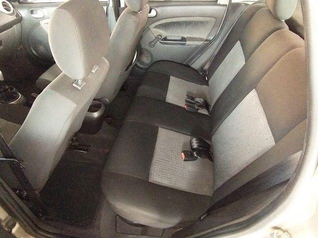 Ford Fiesta Sedan 1.6 ROCAN SE 8V FLEX 4P MANUAL - Foto 6