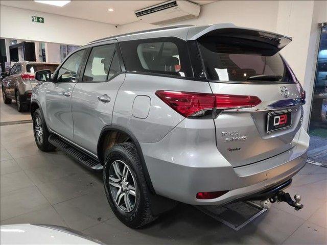 Toyota Hilux Sw4 2.7 Srv 7 Lugares 4x2 16v - Foto 5