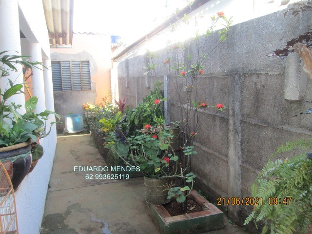 Casa 2/4, mas 2 barracões, lote de esquina 307 m², vila Operaria Anápolis  - Foto 14