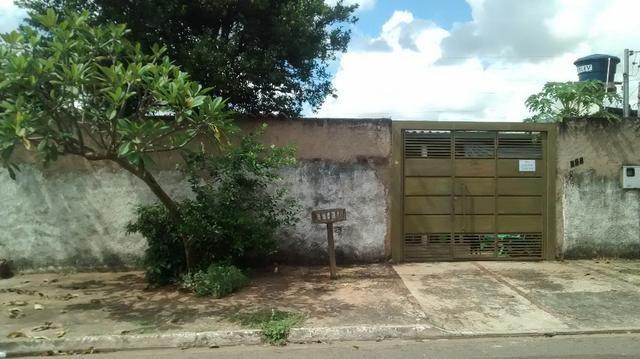 Duas Casas em um terreno de esquina no Tiradentes