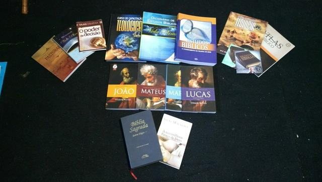 Livros de estudos bíblicos