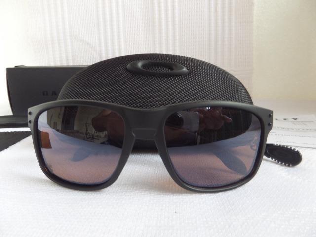 bdf9e1d9364b2 R  389. Óculos Oakley Holbrook Apocalypse Surf Collection Prizm Polarizado  - Importado