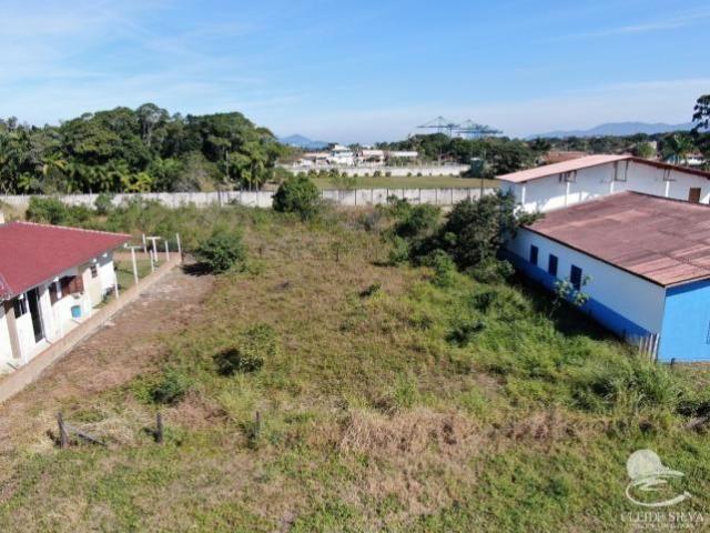 Terreno a 80 metros da praia a venda em Itapoá SC