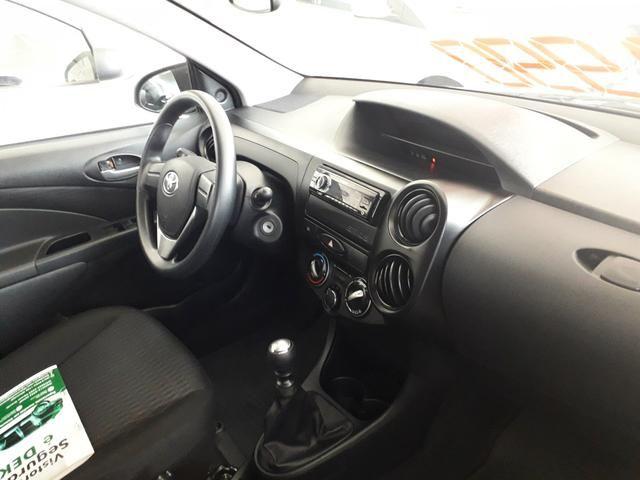 Toyota etios sedan 2019 - Foto 2
