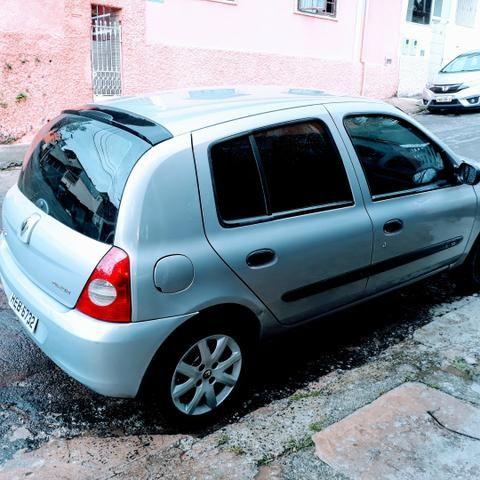 Clio 1.0 8 Válvulas ano 2007 - Foto 3
