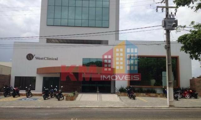 Aluga-se sala para consultório no West Clinical - KM IMÓVEIS