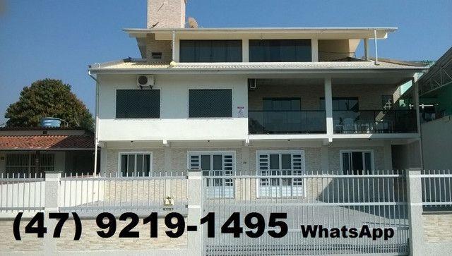 Casa 3 quartos 150m do mar, próximo ao Beto Carreiro, wi-fi, ar cond.