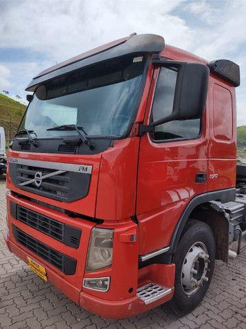 Volvo FM 370 ano 2011 6x2 - Foto 3