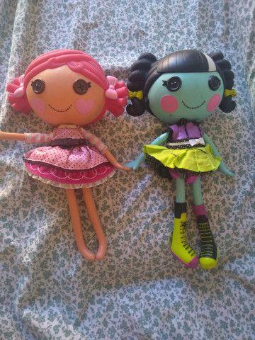 2 bonecas