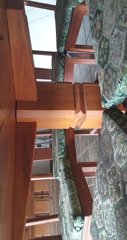 Mesa de Peroba Rosa com 8 cadeiras