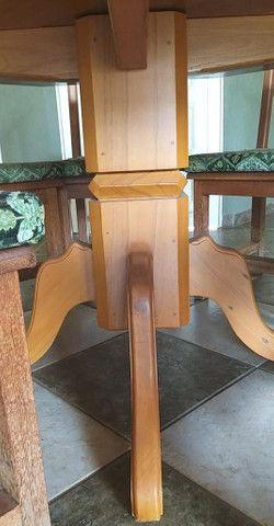 Mesa de Peroba Rosa com 8 cadeiras - Foto 3