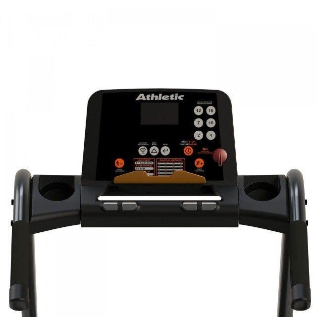 Esteira Athletic racer 16km/h - 130kg - amortecedores externos -com teclas de atalho  - Foto 3