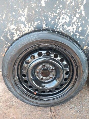 3 rodas aro 15 e 2 aro 14 5 furos - Foto 4