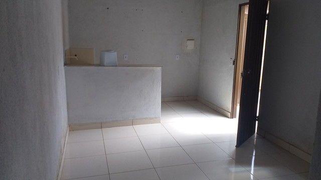 Vendo casa grande com 3 barracões no setor Serra Dourada 3 - Foto 15