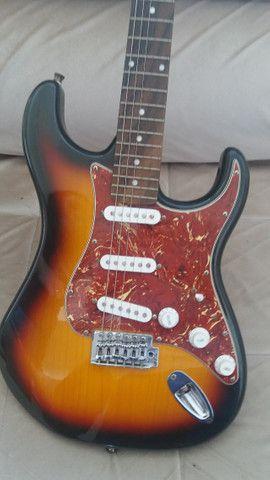 Guitarra Menphis e caixa Sheldon - Foto 3
