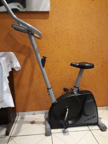 Bicicleta ergométrica  Caloi usada - Foto 3