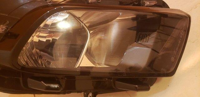 Farol inferior direito Fiat Toro original - Foto 2