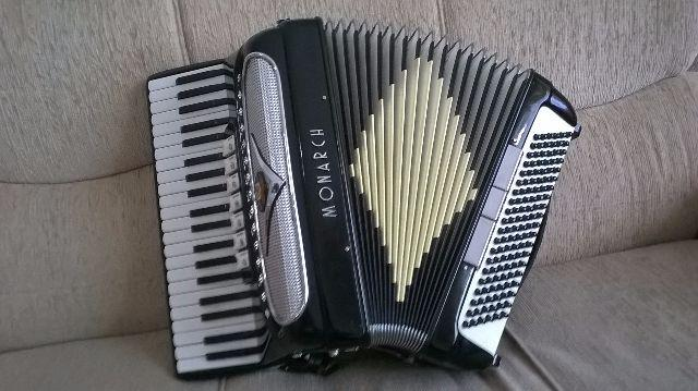 Acordeon Italiano Monarch