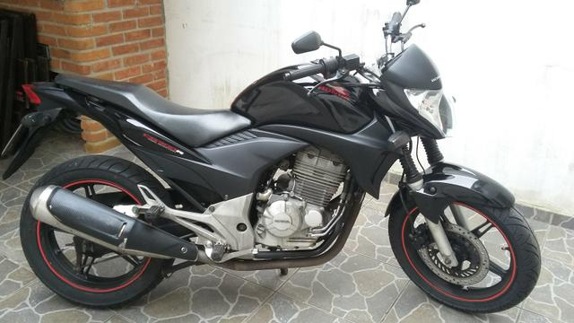 Vendo CB 300R 2011 (doc. 2018 pago)
