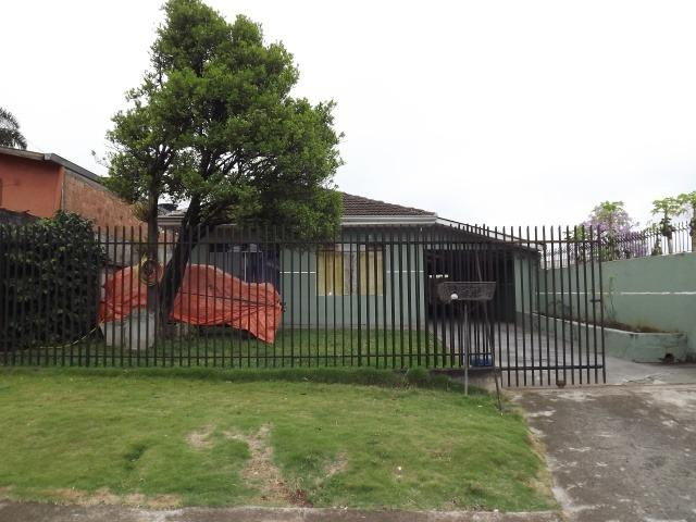 2 residências em excelente localização - Casa principal com 140m2 - Casa 02 com 60m2