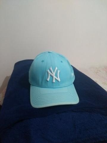 242a00e00 Boné NY original azul claro - Bijouterias
