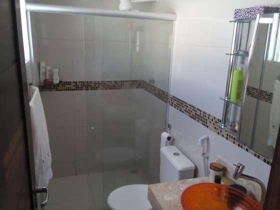 Excelente casa com ótimo acabamento em condomínio fechado com excelente área de lazer - Foto 12