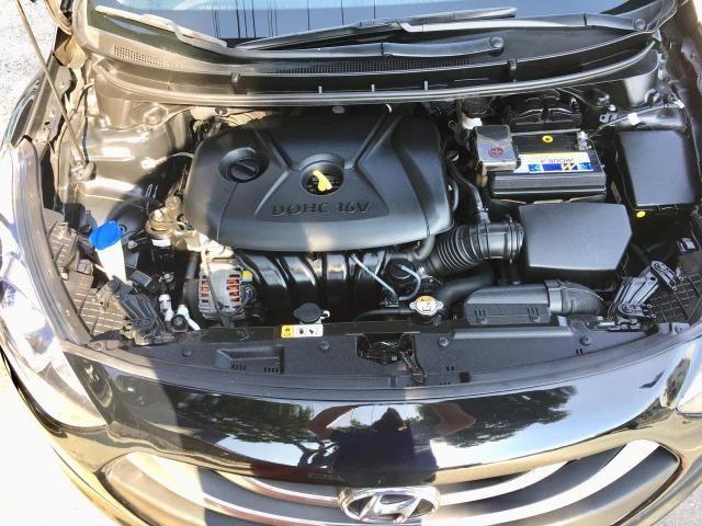 Hyundai i30 1.8 Top de linha Teto solar, Chave presença, Banco elétrico, ar digital - Foto 19