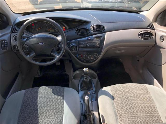 Ford Focus 2.0 Ghia Sedan 16v - Foto 10