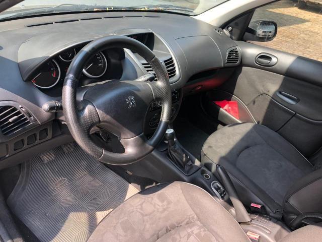 Peugeot 207 SW XR 2009 1.4 Flex - Com Ar - Foto 11