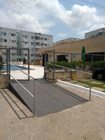 Cond. Solar do Coqueiro, Av. Hélio Gueiros, apto 2/4 mobiliado, R$1.100,00 / *