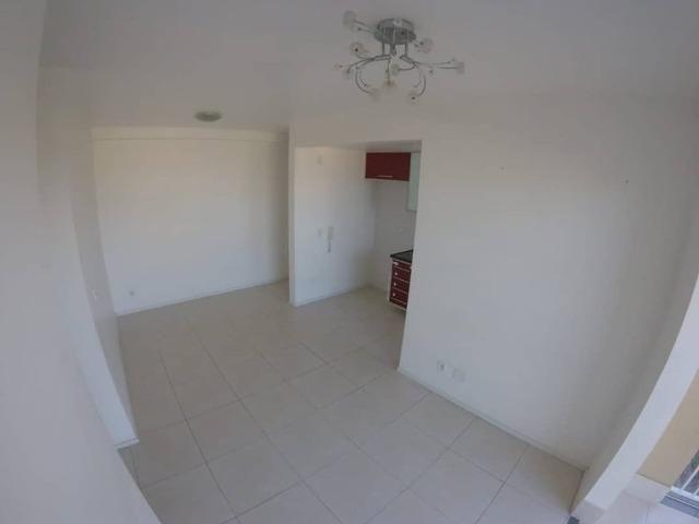 Apartamento de 3 quartos com 1 suíte, no condomínio Villaggio Limoeiro Serra/ES - Foto 6