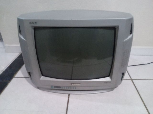 Televisao modelo antigo