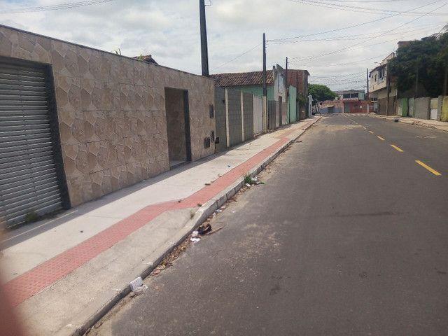Vendo casa com um prédio dois andares bairro Planalto Linhares - Foto 2