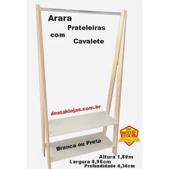 Arara Cavalete com Prateleira