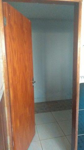 Vendo casa grande com 3 barracões no setor Serra Dourada 3 - Foto 6