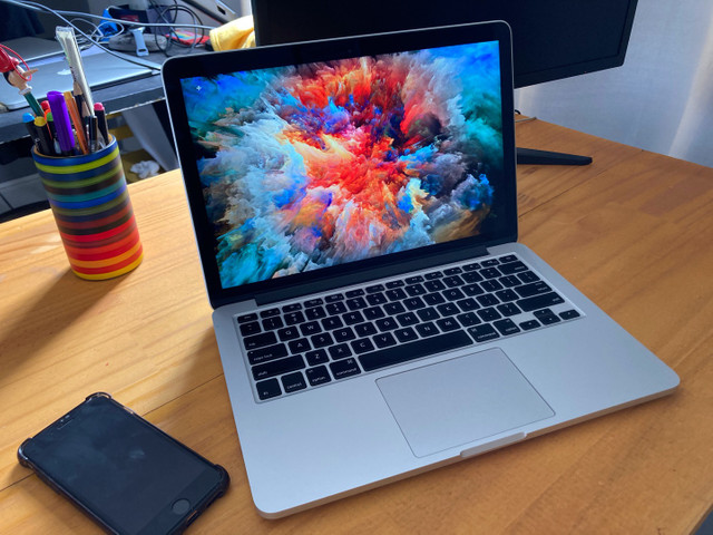 Macbook Pro 13 Retina 2015  Core I5 8gb Memória