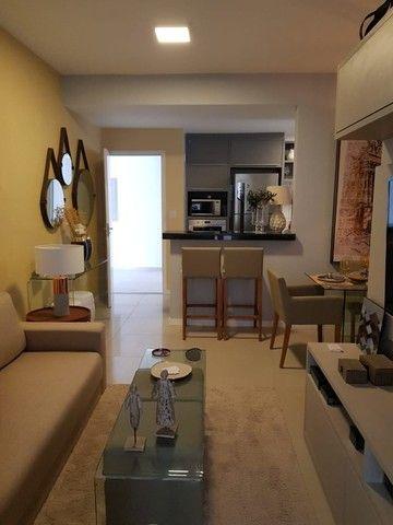 Apartamentos de 2 e 3 quartos na Cohama, elevador e acabamento no porcelanato.  - Foto 8