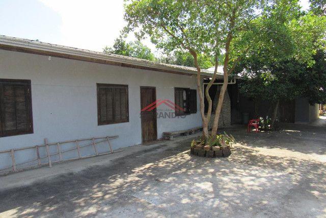 ? Casa c/ 3 Dormitórios, Região central, próximo da Av. Celso Ramos - Lot. São José - Foto 5