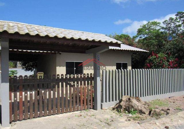 ? Casa c/ 3 Dormitórios, Região central, próximo da Av. Celso Ramos - Lot. São José