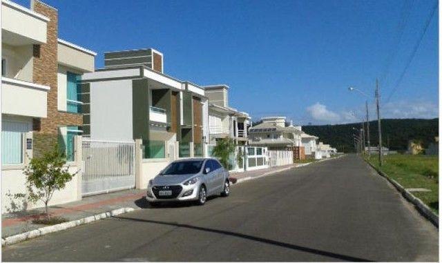 Casa em alto padrão - Ingleses Central - 660m da praia - Escritura Pública e financiável - Foto 7
