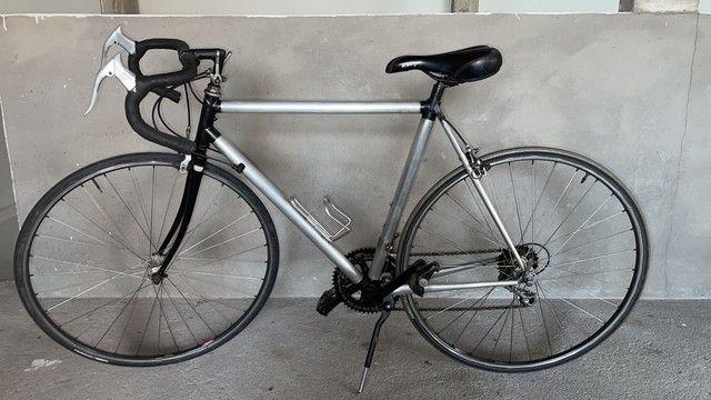 Bicicleta Speed modelo Carvalho Vitor